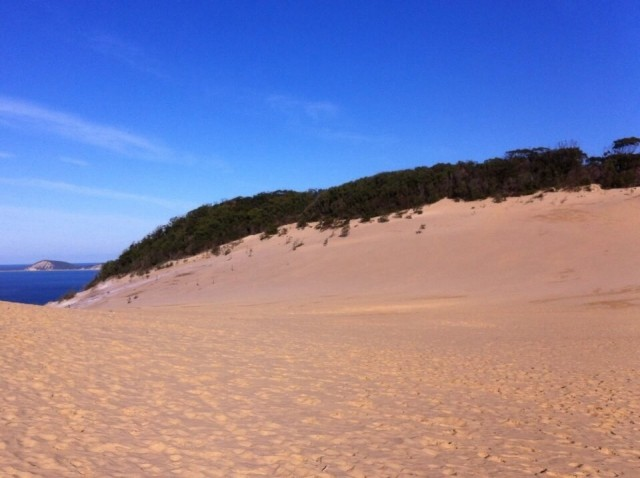 Carlo Sandblow-Rainbow beach
