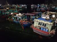 En een laatste blik van Ha Long Bay by night