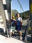 Begin van ons avontuur over de hangbrug