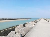 Pad/promenade richting zee