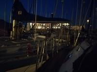 Havenkantoor en restaurent by night