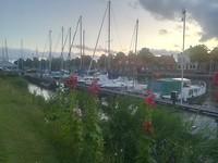 Westerhaven bij schemer