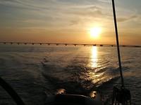 Zeelandbrug met ondergaande zon