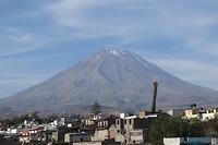 348 uitzicht op vulkaan Misti vanaf ons hotel in Arequipa