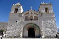 382 de kerk van Maca in de Colca vallei