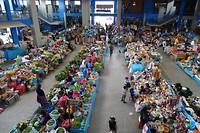433 wat een kleuren op de versmarkt in Urubamba