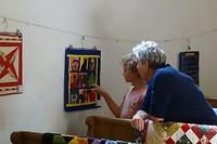 476 kijken bij de quilt expositie van beppe