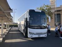 Met de bus naar hotel in Dubai