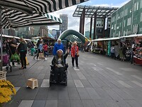 De markt in Eindhoven. Daar doe je Susan echt een plezier mee.
