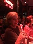 Voor de eerste keer karaoke, nog wat onzeker...