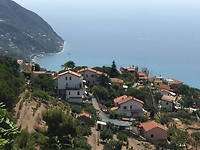 Uitzicht vanaf de Apennijnen op zee
