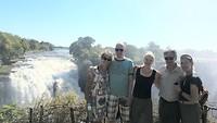 Bij de watervallen