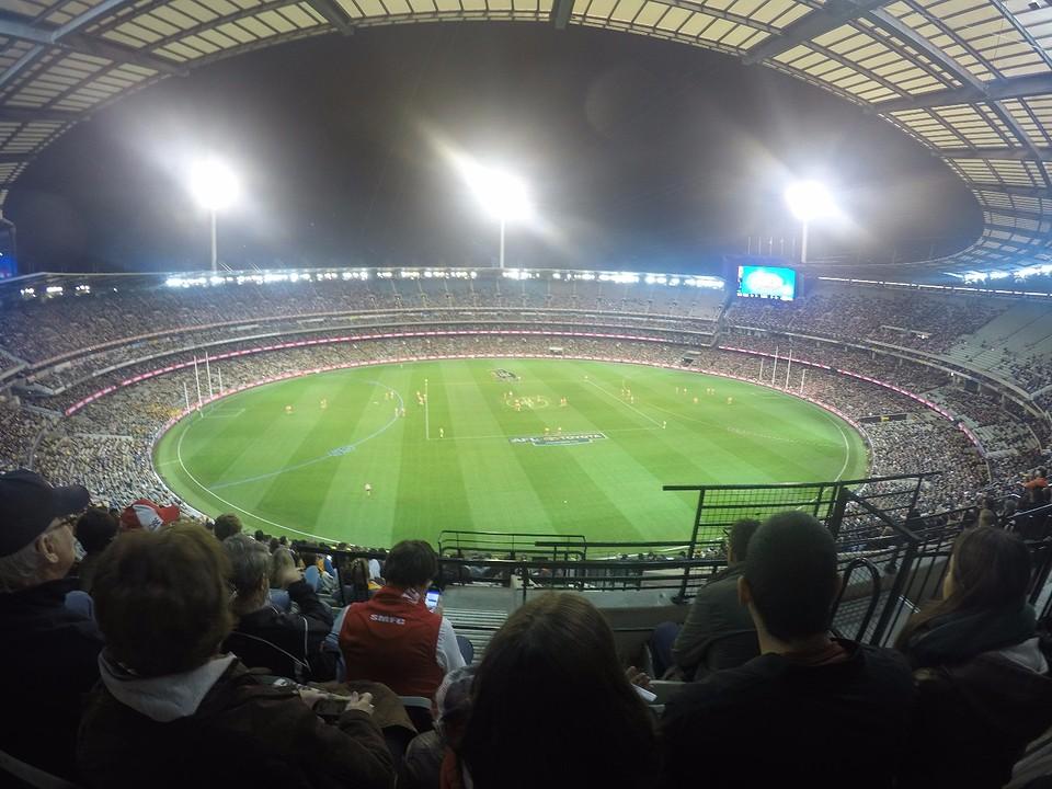 Footy game - AFL - Hawthorns vs. Sydney Swans