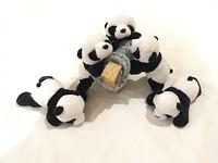 Chengdu, panda-stad! Dus een paar panda's gekocht die Sheepie gezelschap kunnen houden in onze shop