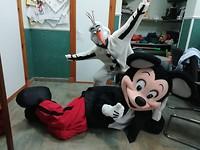 in Mickey Mouse en Olaf pak