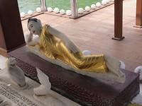 Tempel aan het water