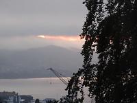 Om 11 uur nog een glimpje zon, gezien vanuit mijn flatje.