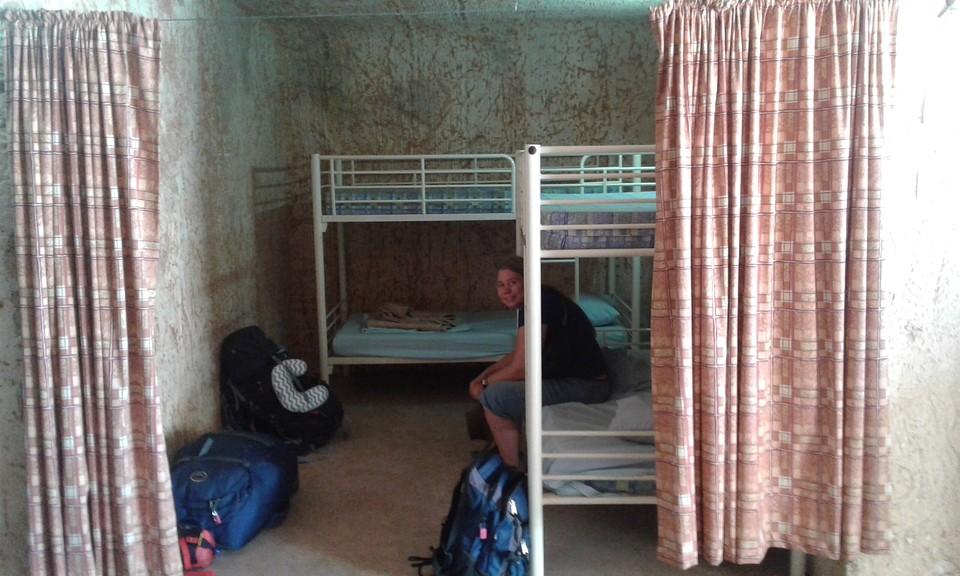 Slapen Op Grond : Onder de grond slapen in coober pedy foto maaike koppert s