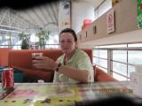 13 juli: met Henny C. op Qingdao Airport