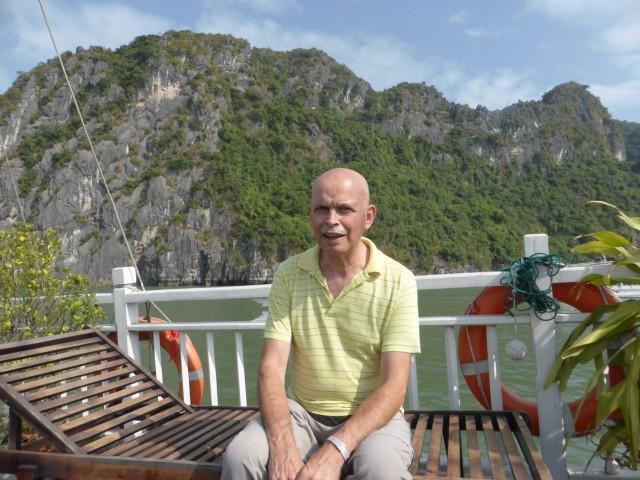 vrijdag 8 november Halong Bay en de wegen | Reisverhaal ...