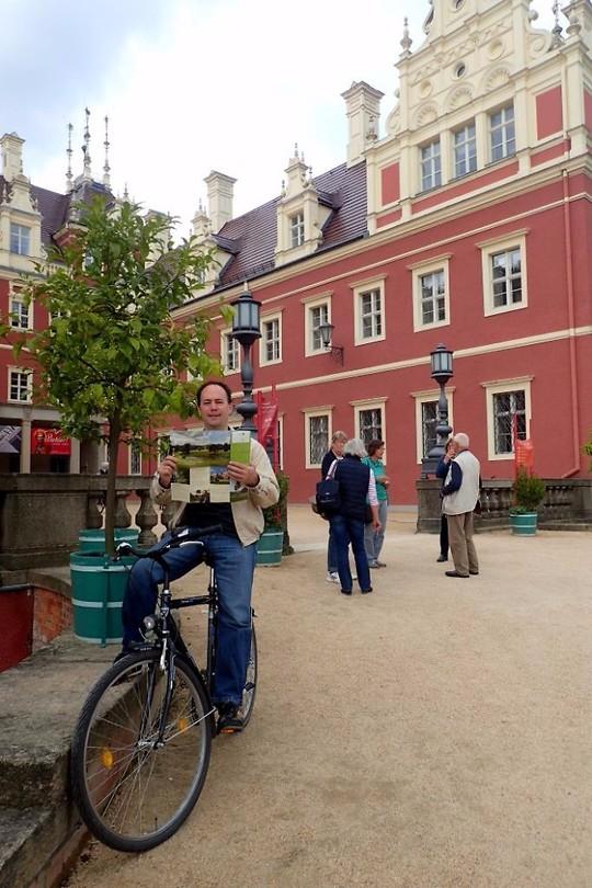 Guus bij Puckler's Neue Schloss