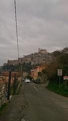 Artena bevindt zich op een heuvel en is zo'n typisch 'tegen de berg geplakt' dorpje.