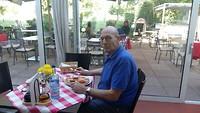 Michel in Augsburg, Wat kijkt ie weer blij...😉