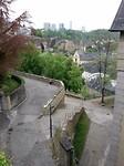 Uitzicht over Grund in de kloof vd Alzette en glazen paleizen van de Europese Unie