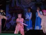 5) Kleine jongens met zwaarden