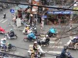 3)Gezellige chaos in Hanoi