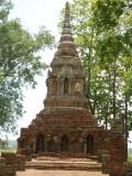 2) Weer veel oude tempels