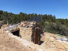 26) stellage voor zonnepanelen op het dak