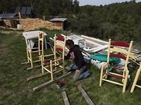 13) Onze stoelen krijgen een fris kleurtje