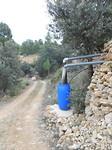 7) Al het water wordt opgevangen en doorgesluisd naar het waterresevoir van de moestuin