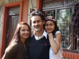 3) Sam, Bisnhu en hun dochter