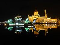 moskee van de sultan bij avond