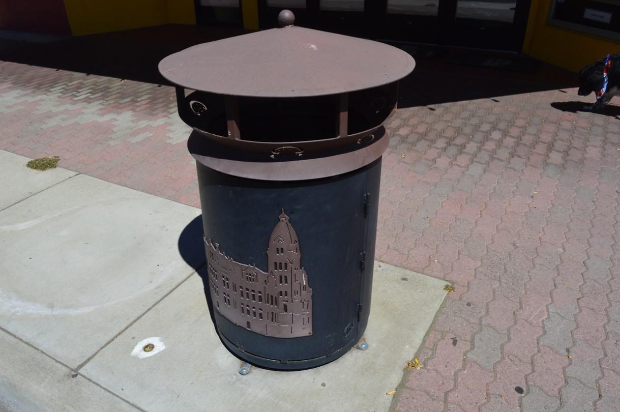 Garbage can Ellensburg