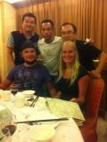 Eten met de vriendengroep! Rechtsboven mij Stone en boven in het midden Hause