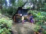 De prachtige badkamer van de families Estoya en Delgado