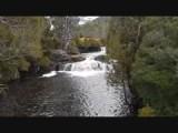 Waterval achter de lodge op cradle mountains