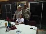 Samen met de fam. Carr op de foto (van de Banana Bank Inn bij Belmopan)