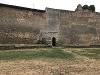 Stadsmuur met naar de rio