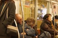 slapen in de metro, Japans gebruik!