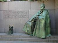 monument franklin delano roosenveldt met zijn hond