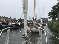 In collone door Alkmaar Centrum