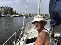 Vooraanzicht Alkmaar met Captain Ed