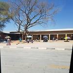 Opuwa, Namibische chaos op straat