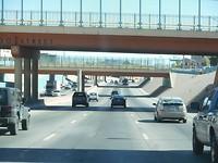 Alles gebouwd in vierkanten dus na elke 100 mtr een viaduct.