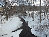 Sneeuw wandeling langs de  Dundas River