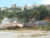 Scheepswrakken in de haven van Pilos
